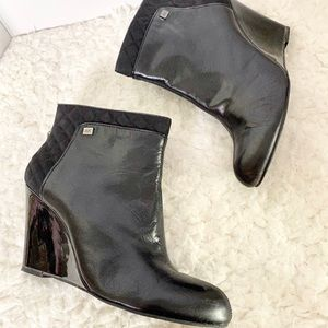 Anne Klein black Quilted Booties Boots 9.5M